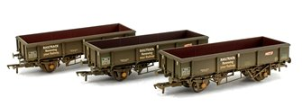 Triple Pack 34 Tonne PNA Railtrack 5 Rib Wagons (Weathered)
