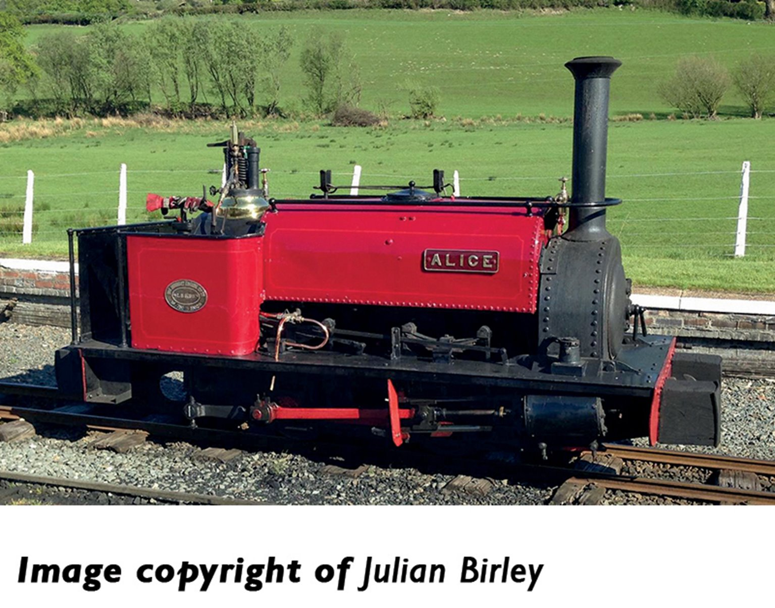 Quarry Hunslet 0-4-0 'Alice' in Dinorwic Quarry Red livery