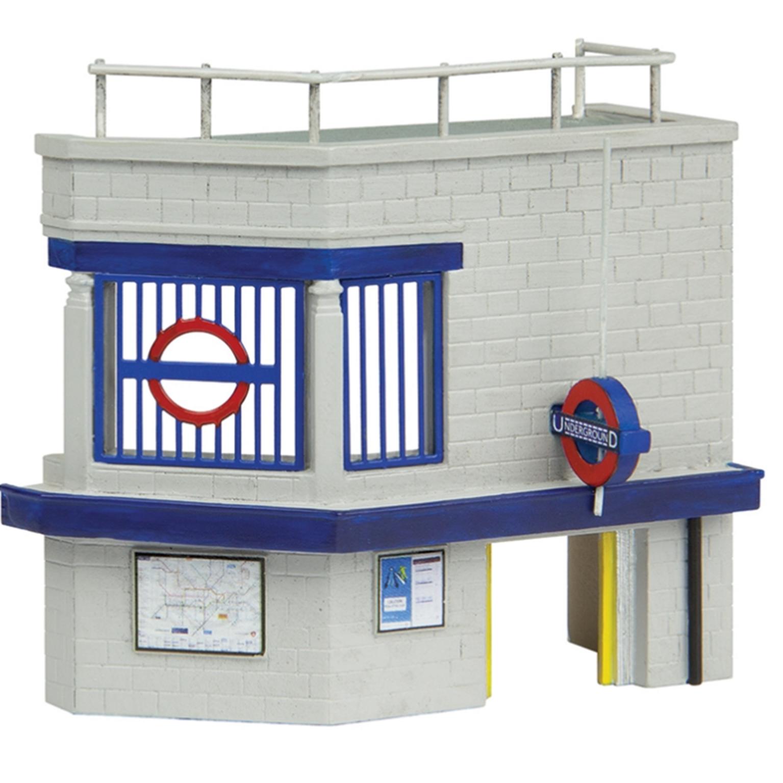 Low Relief Underground Station