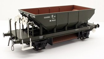 Dogfish Ballast Hopper Wagon DB983239 in engineers olive (early lettering style)