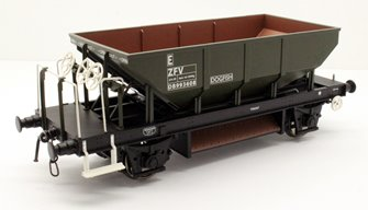 Dogfish Ballast Hopper Wagon DB993608 in engineers olive (TOPS panels)