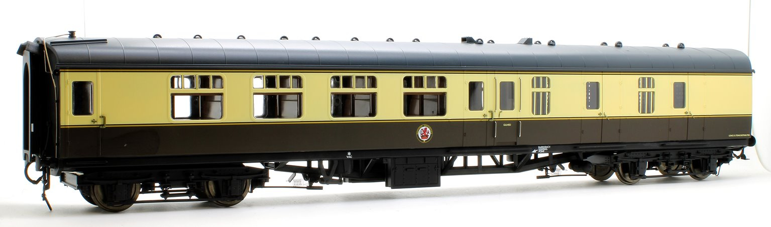 BR MK1 BSK Brake Corridor Second Chocolate/Cream Coach