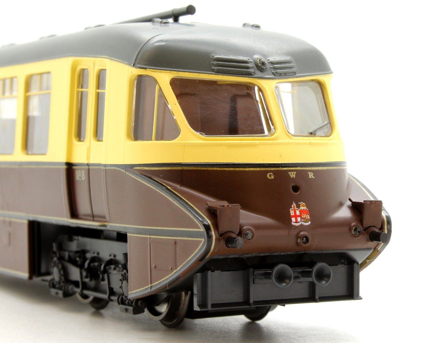 Streamlined Railcar no 8 Lined Chocolate and Cream GWR Twin Cities