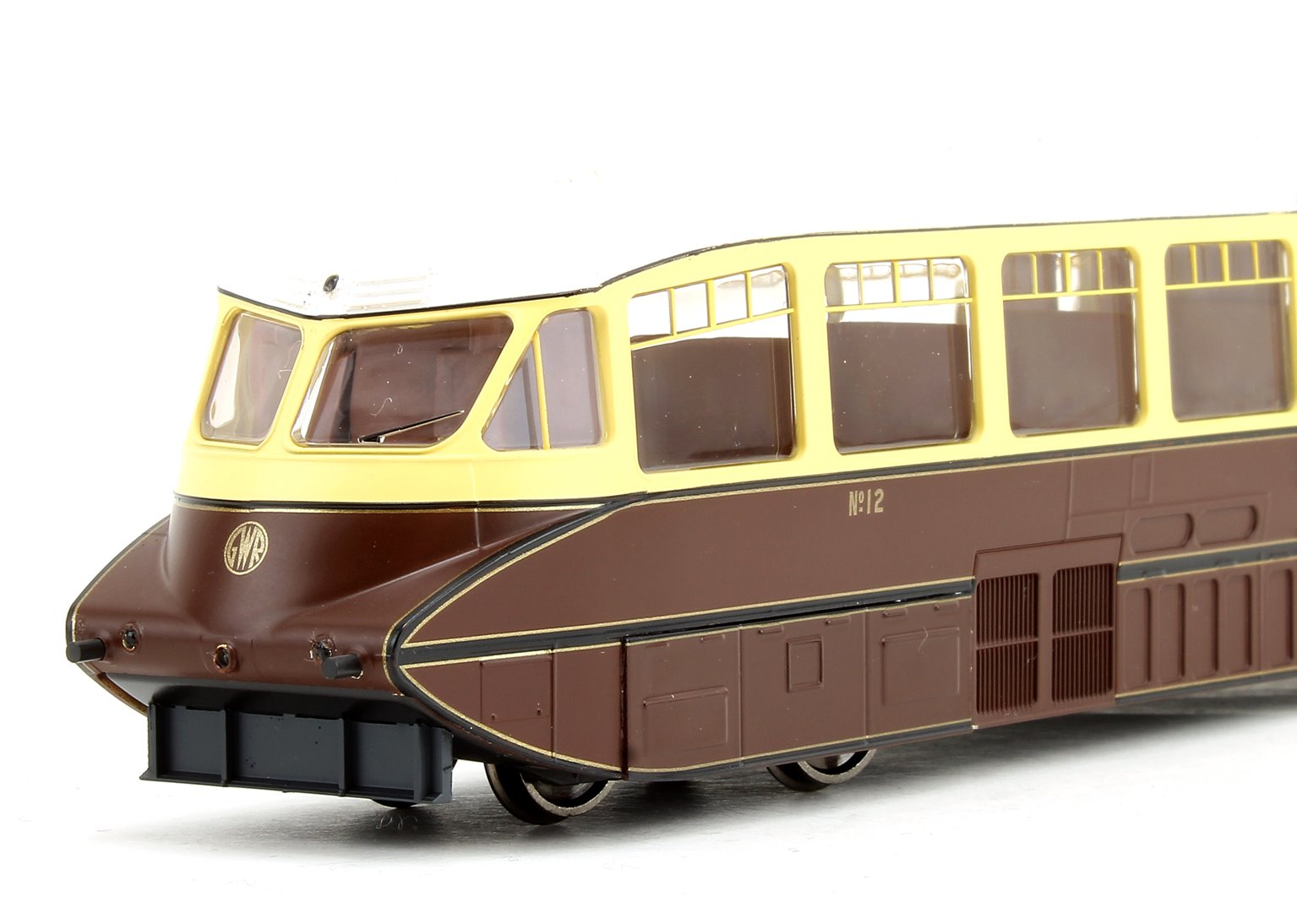 Streamlined Railcar GWR Lined Chocolate/Cream No.12 - DCC Fitted
