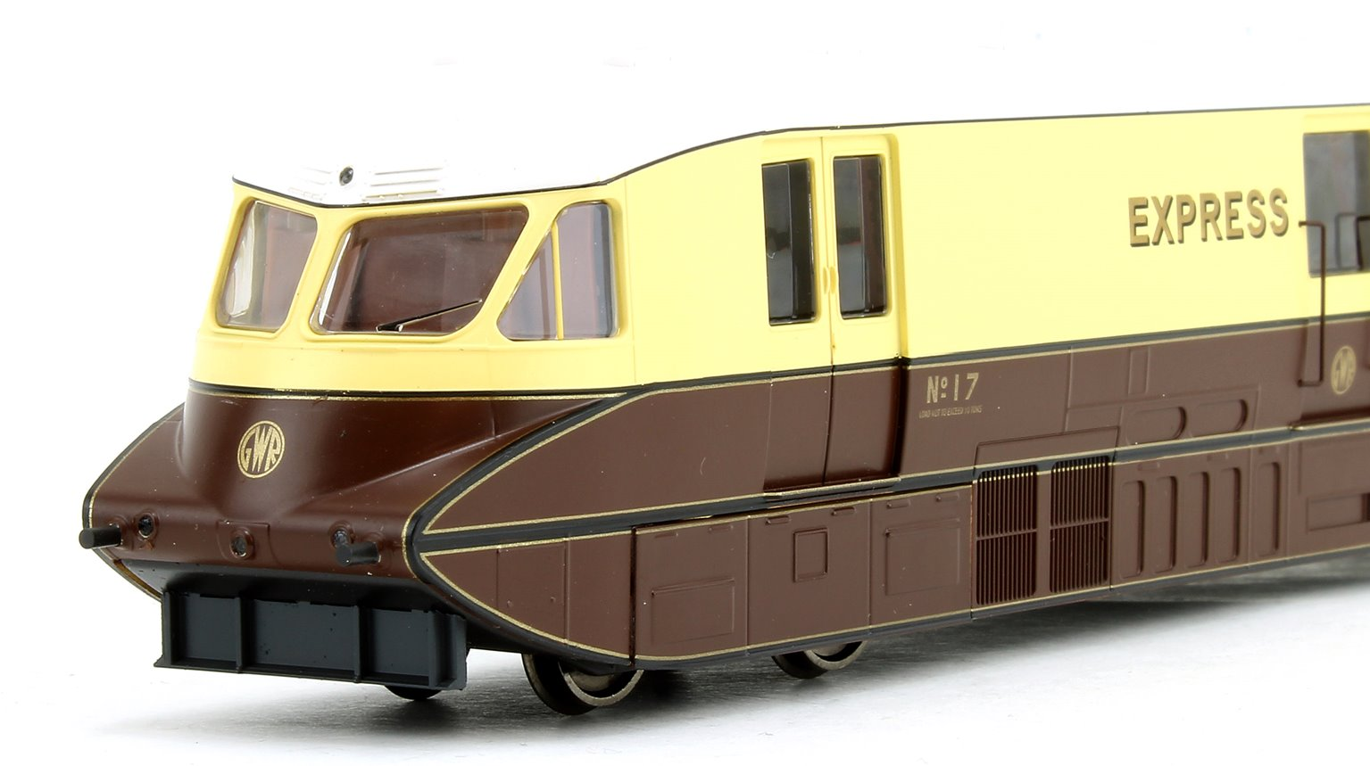 Streamlined Railcar Express Parcels Choc/Cream Locomotive No.17 - DCC Fitted