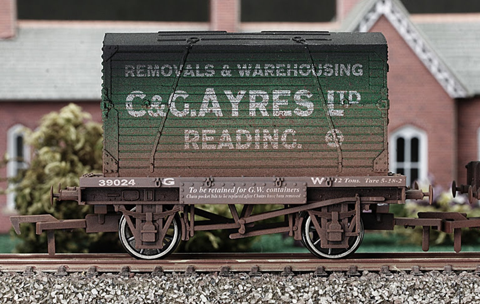 C & G Ayres Conflat Wagon & Container - Weathered