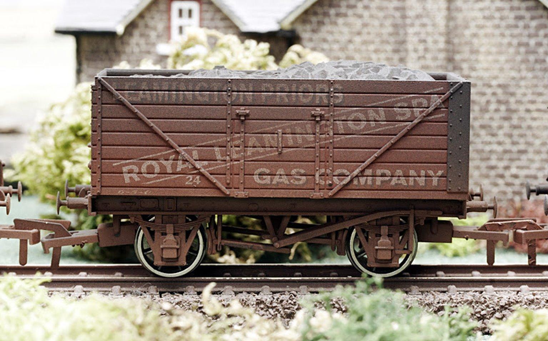 Leamington Gas 8 Plank Wagon - Weathered