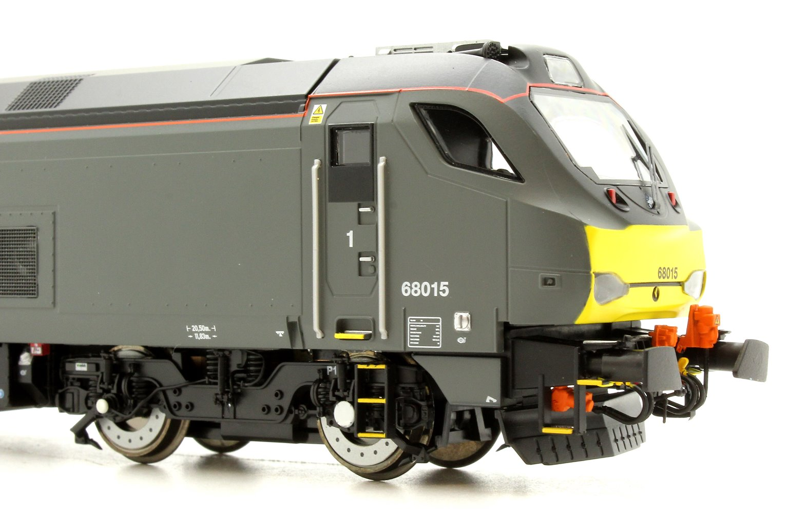 Class 68 Chiltern 68015 in Chiltern Railways livery early service
