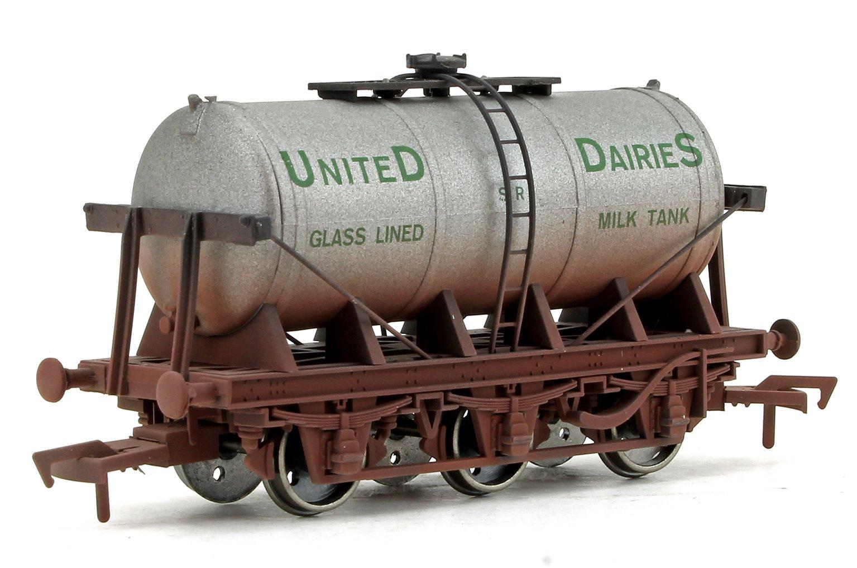 6 Wheel Milk Tanker SR United Daries Weathered