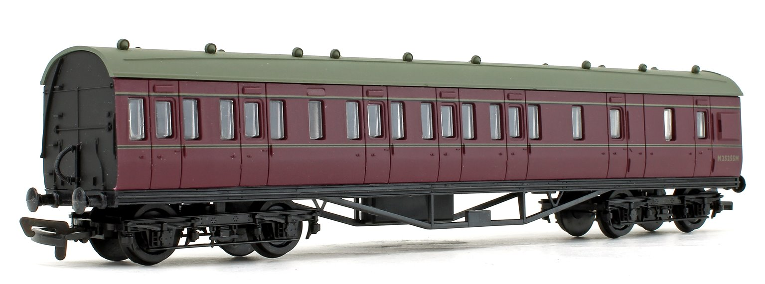 Rake of 3 BR Maroon 57ft Stanier Coaches
