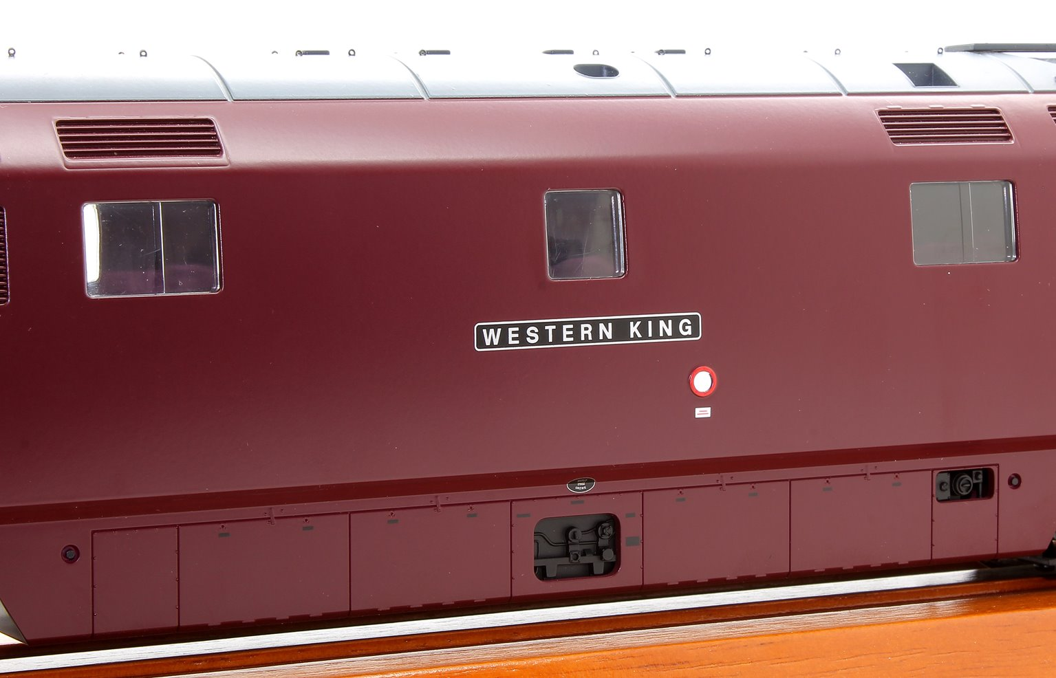 Class 52 D1039 Western King in BR Maroon with full yellow ends