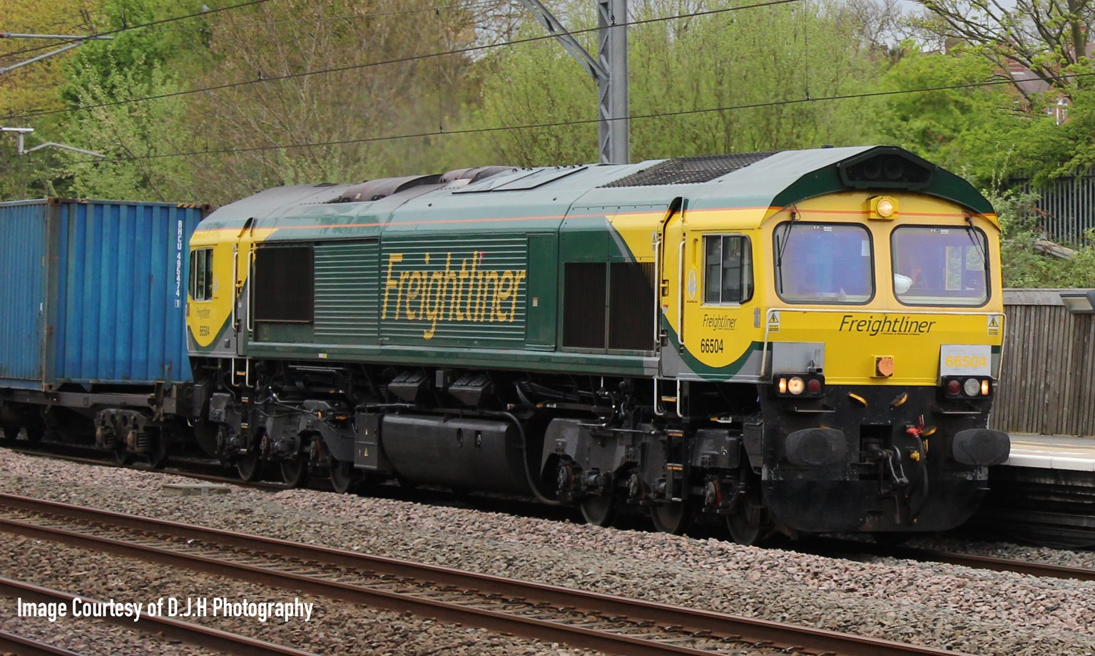 Class 66 504 Freightliner Powerhaul Livery Diesel Locomotive DCC Fitted