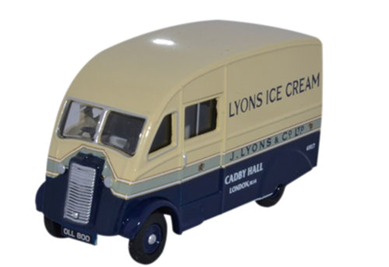 Commer Q25 Lyons Ice Cream (B)