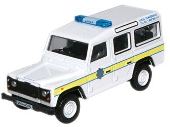 Garda Land Rover Defender Station Wagon (B)