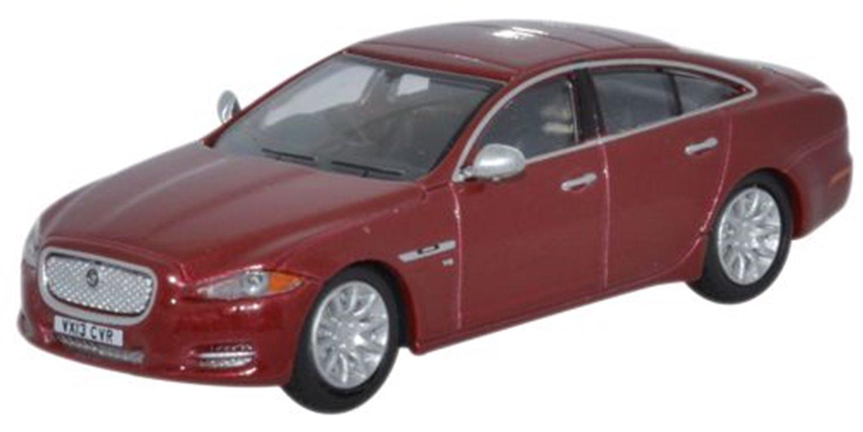 Jaguar XJ Saloon Carnelian Red
