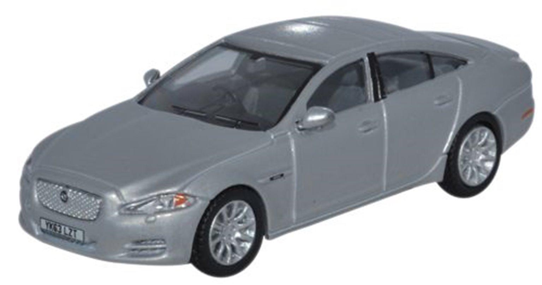 Jaguar XJ Saloon Rhodium Silver