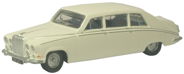 Daimler DS420 Old English White
