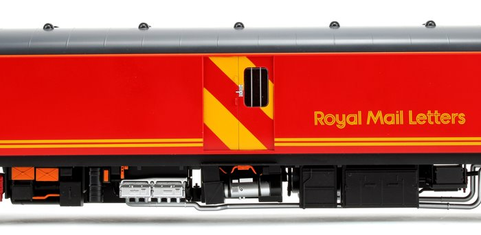 Class 128 DPU Royal Mail Letters in Royal Mail red Locomotive #55993