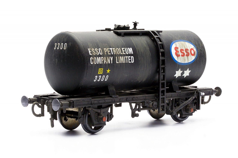 20T Esso Tanker Plastic Kit