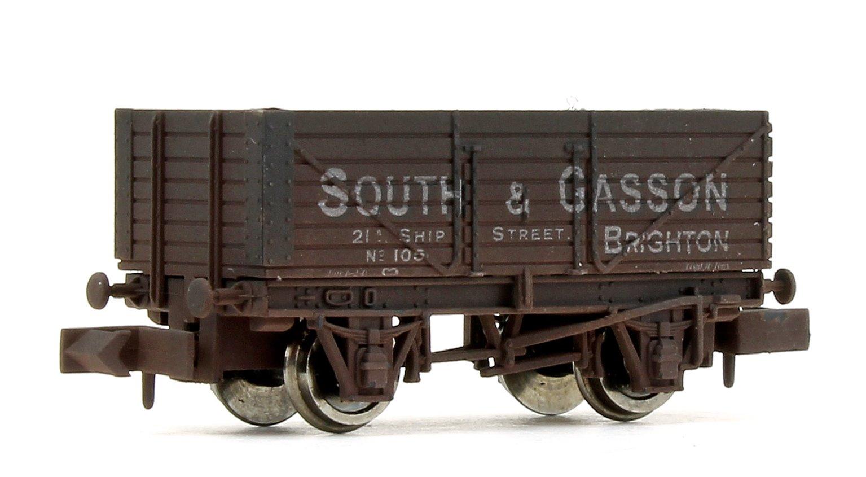 7 Plank Wagon South & Gasson 105 Brighton Weathered