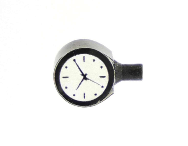 Wall Mounted Clocks 2pcs (Lit)