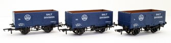 """GV6020 Pack of three 7-plank open wagons """"ICI"""""""