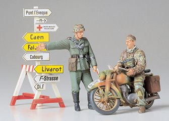 1/35 Military Miniature Series No.241 1/35 German Motorcycle Orderly Set