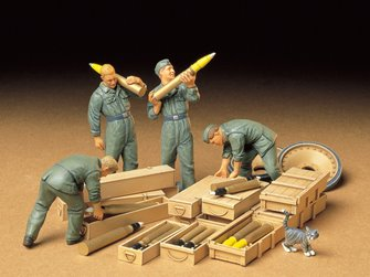1/35 Military Miniature Series no.188 German Tank Ammo-Loading Crew