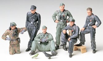 1/35 Military Miniature Series No.201 1/35 German Tank Crew at Rest