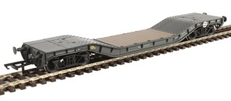 Warwell wagon 50t with diamond frame bogies MODA95560 in MOD 1970s olive