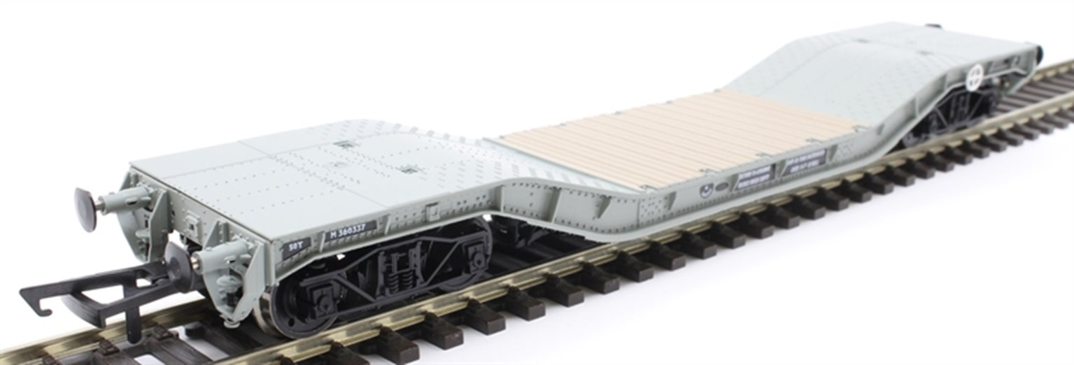 Warwell wagon 50t with diamond frame bogies M360337 in BR grey
