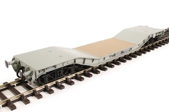 Warwell wagon 50t with diamond frame bogies M360333 in BR grey