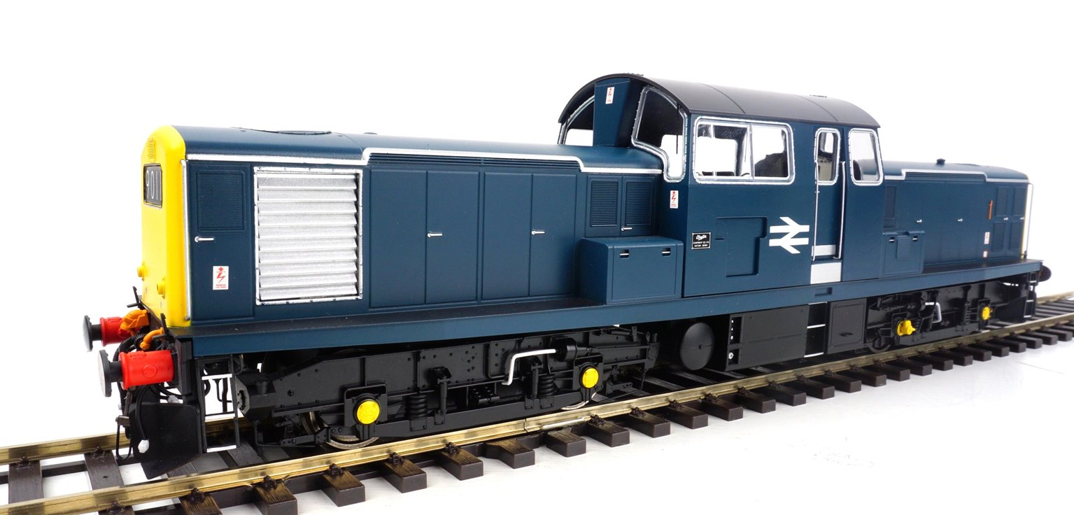 Class 17 Clayton BR Rail blue unnumbered (full yellow end)