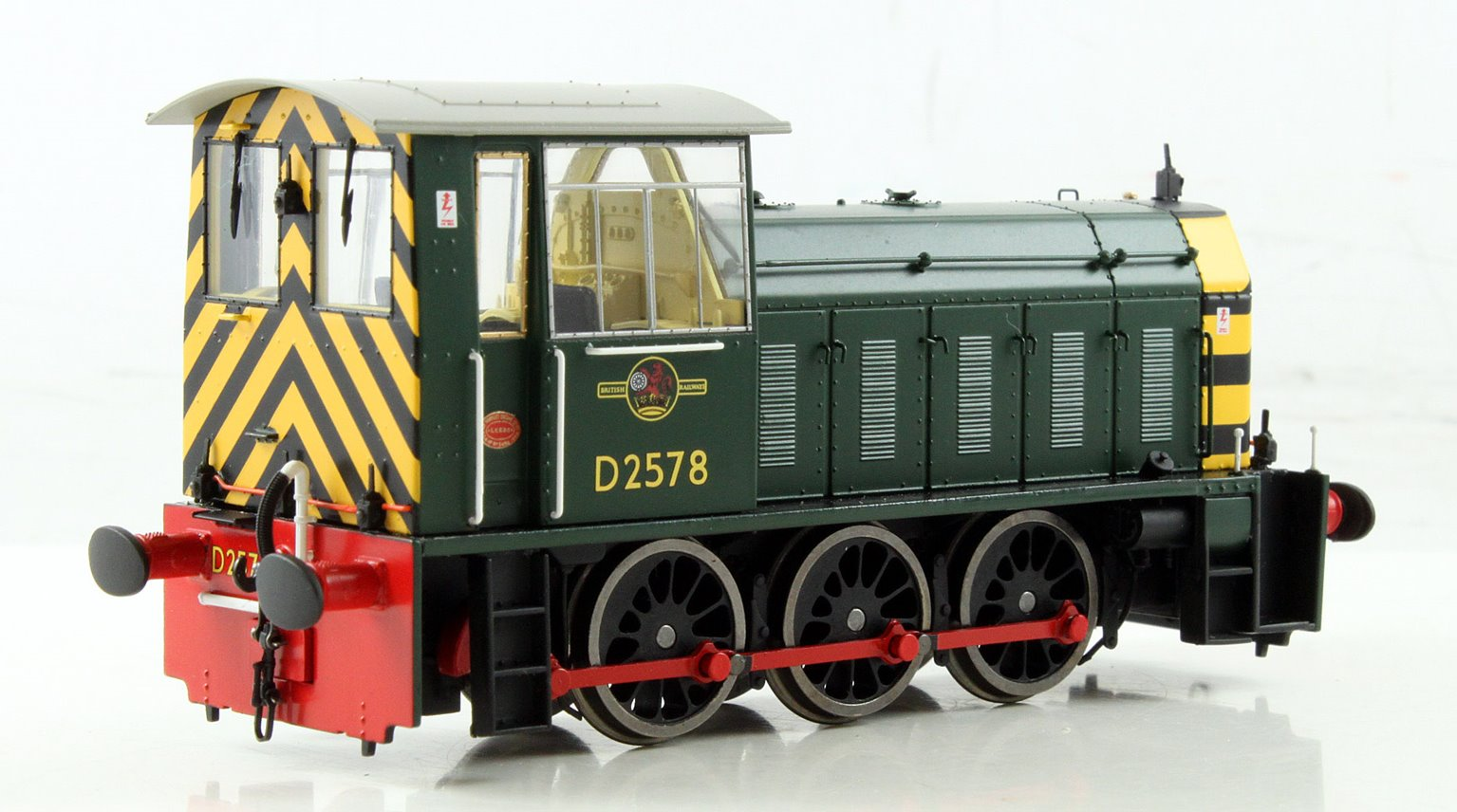 BR Hunslet Class 05 Diesel Shunter #D2578 BR Green with Wasp Stripes (Preserved) - Type A