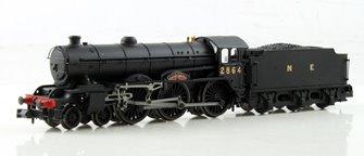 "Class B17 4-6-0 2864 ""Liverpool"" in NE wartime black"