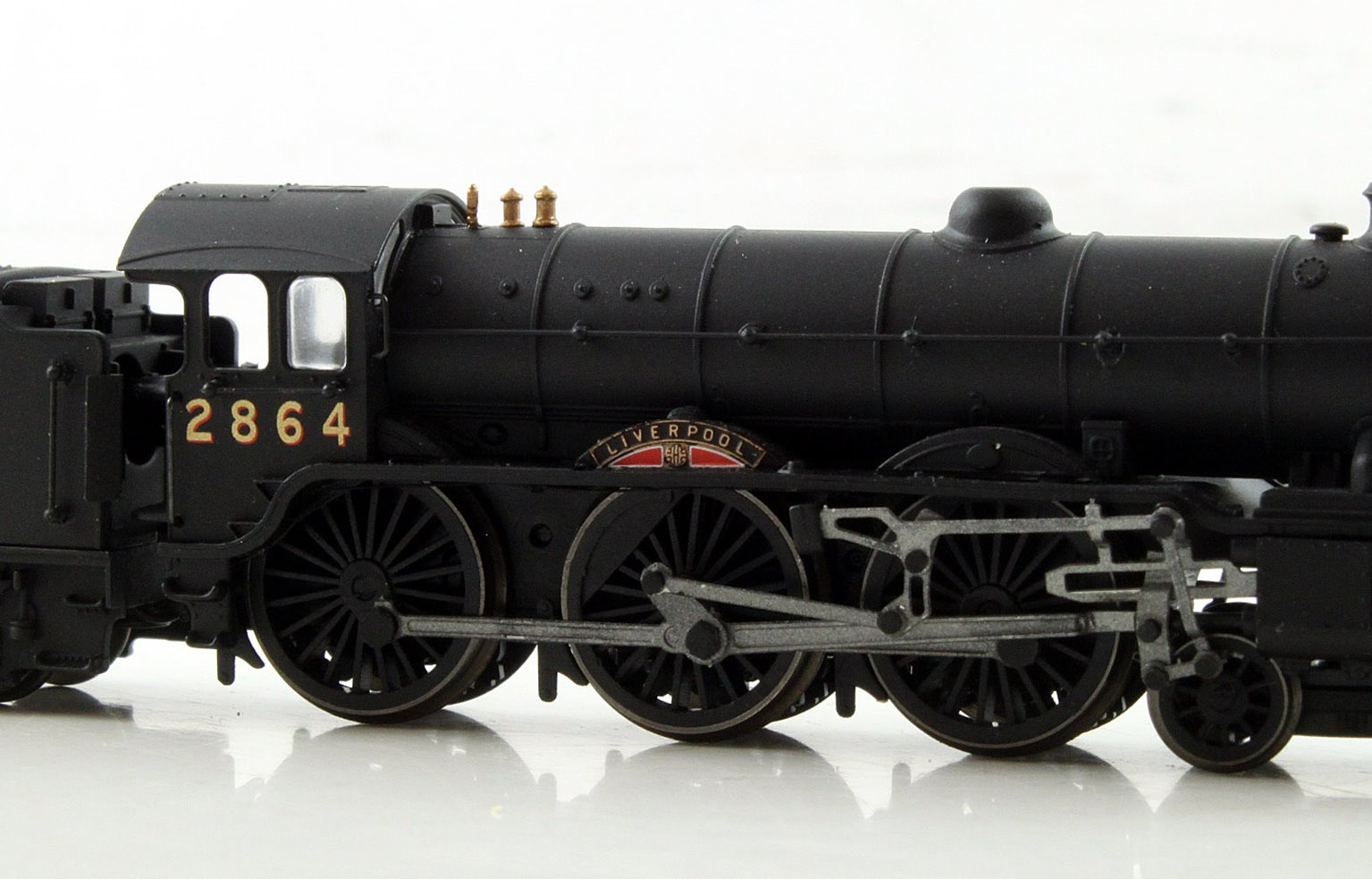 "Class B17 4-6-0 2864 ""Liverpool"" in NE wartime black"