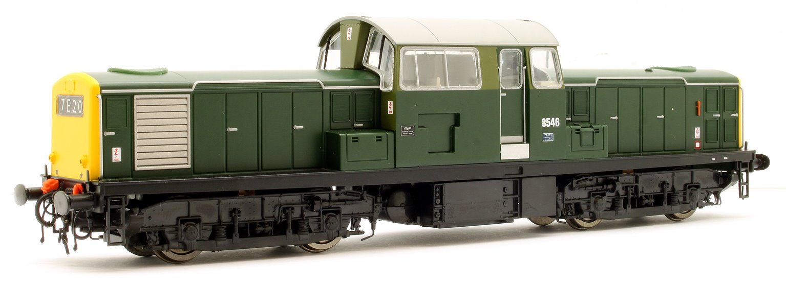 Class 17 Clayton 8546 BR Green (Full Yellow Ends) Diesel Locomotive
