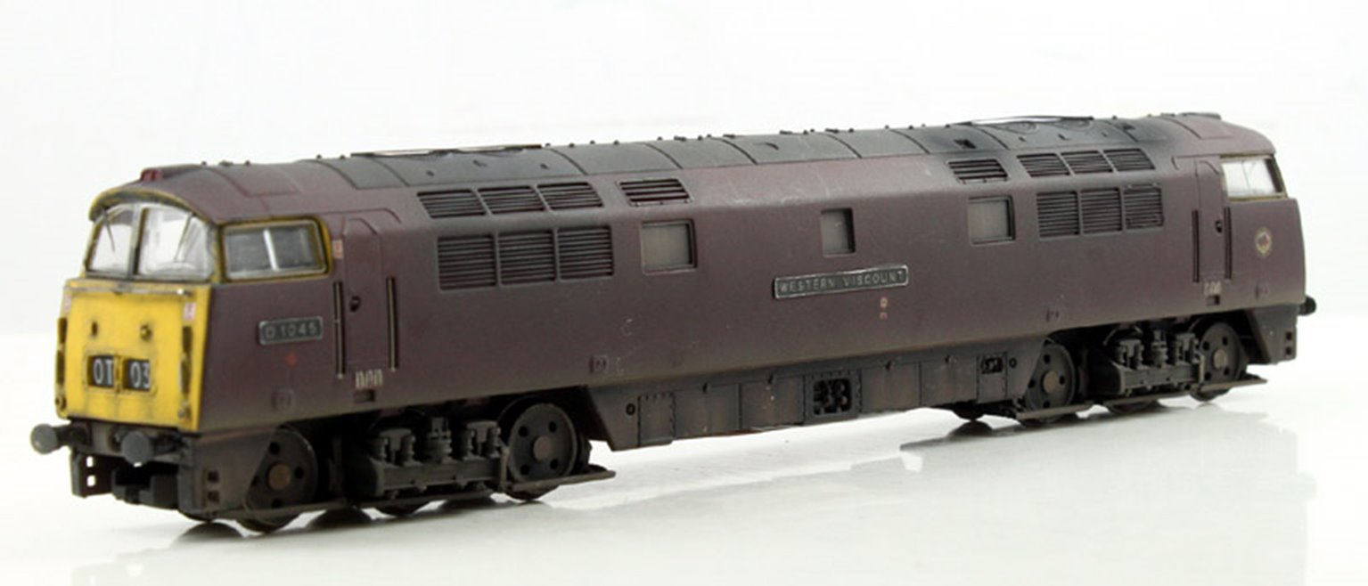 CLASS 52 'WESTERN VISCOUNT' #D1045 BR MAROON WITH FULL YELLOW PANELS - WEATHERED- DCC