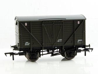 12 Ton BR Planked Ventilated Van Departmental Olive Green