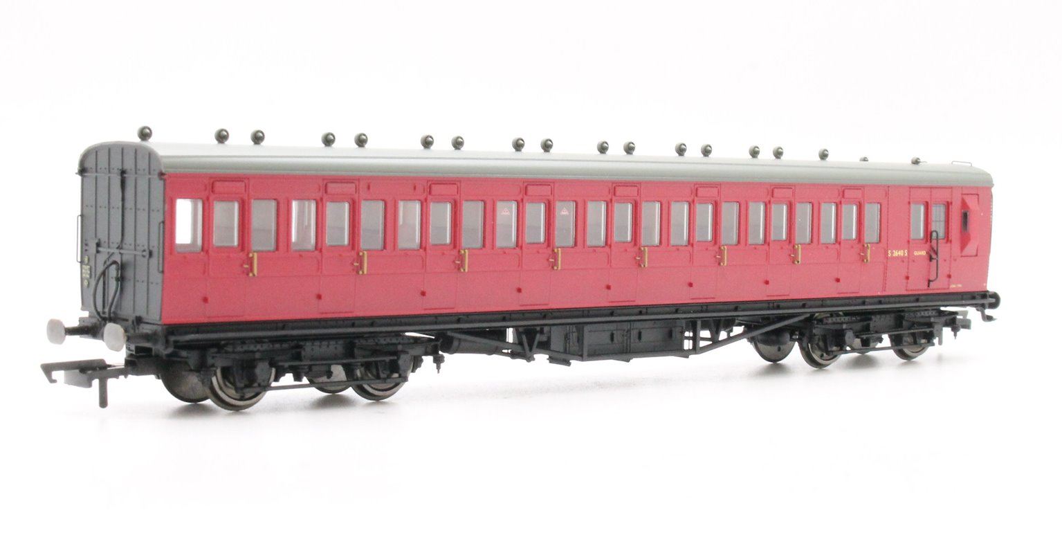 BR 58' Maunsell Rebuilt (Ex-LSWR 48') Eight Compartment Brake Third Class Coach 'S2640S' - Set 46, Maroon