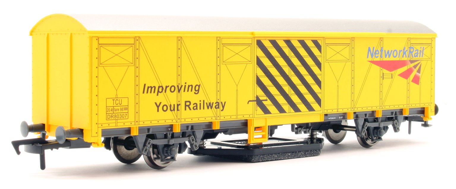 GM4430101 Network Rail Yellow Track Cleaning Wagon