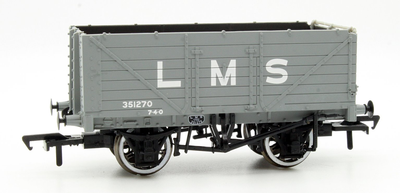 7 Plank End Door Wagon LMS Grey