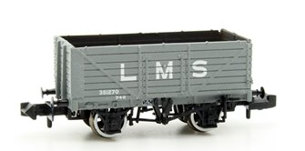 7 Plank Wagon End Door LMS Grey