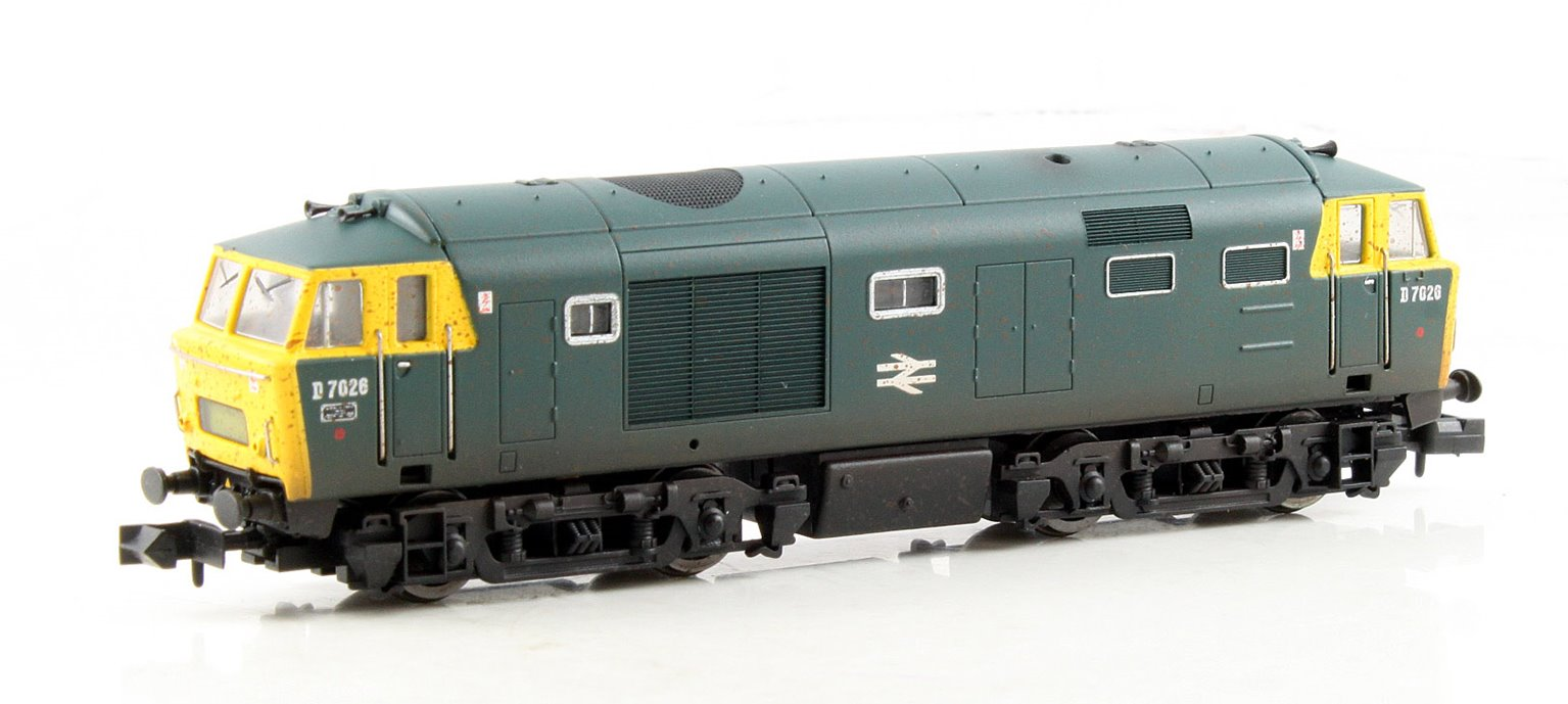 Class 35 Hymek #D7026 in BR blue with full yellow ends - weathered