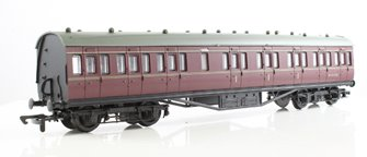 57ft Stanier non-corridor composite in BR lined maroon M19172M
