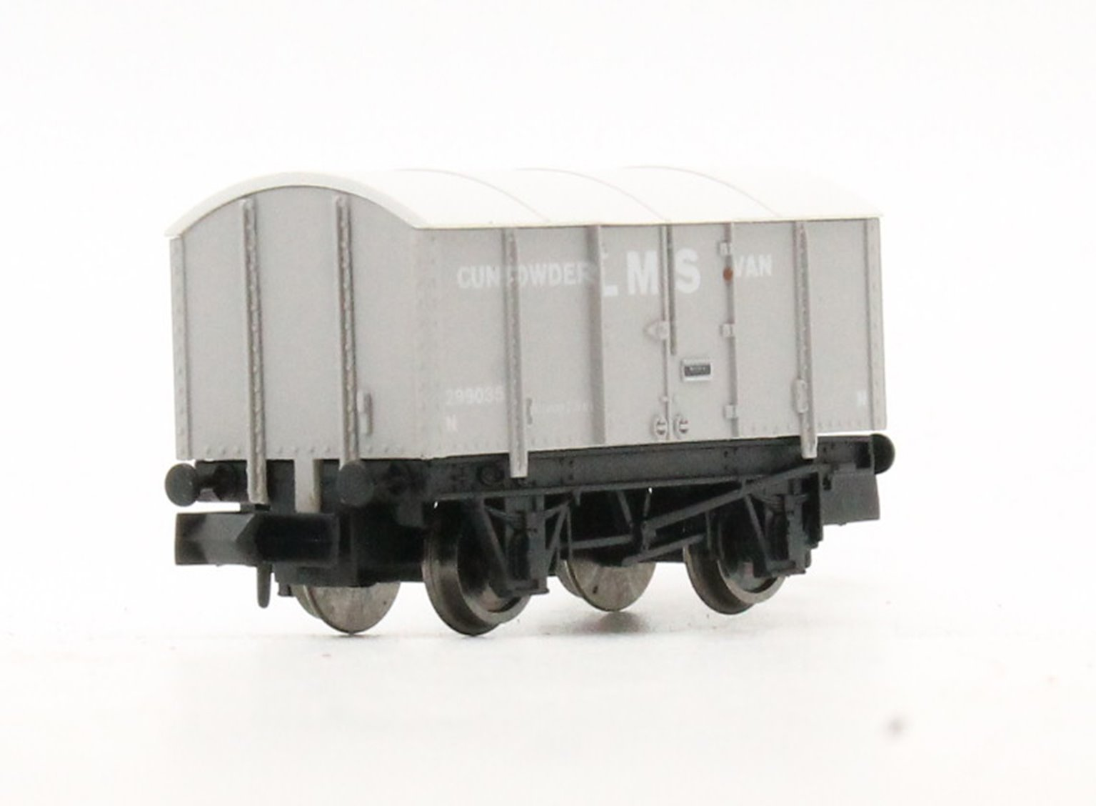 4-wheel Gunpowder Van 299035 in LMS grey