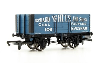 7 Plank Wagon 'Richard White & Sons' No.109
