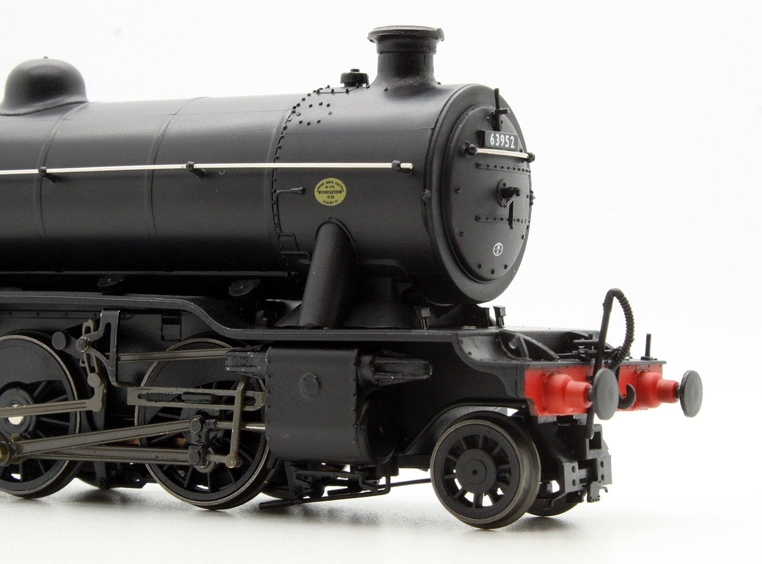 Ex-LNER Class 02/3 'Tango' 2-8-0 #63952 BR Black with Late Crest - Stepped Tender.