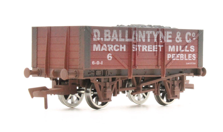 "Dapol 4F-051-050 5-plank open wagon ""D Ballantyne"" - weathered"