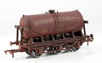 Independent Milk Supplies 6 Wheel Milk Tanker - Weathered